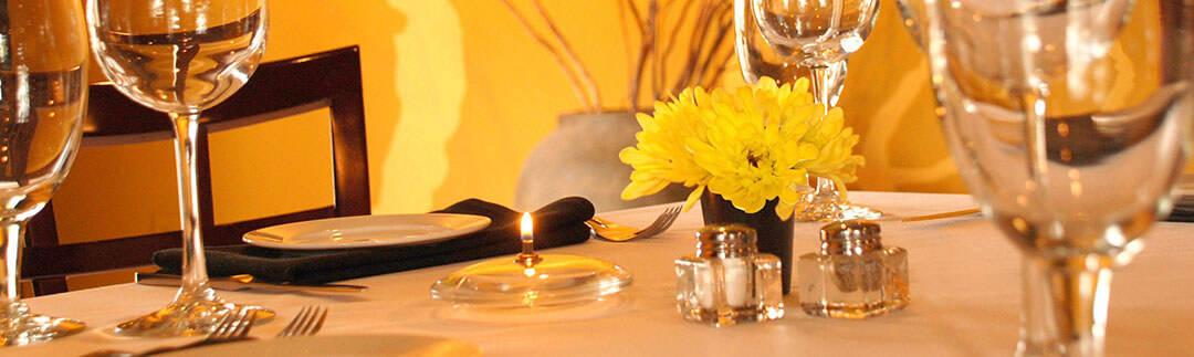 canary-gorji-thanksgiving-menu-table-setting